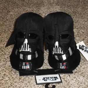 NWT~Star Wars(LILVADER) Boys Black Slippers